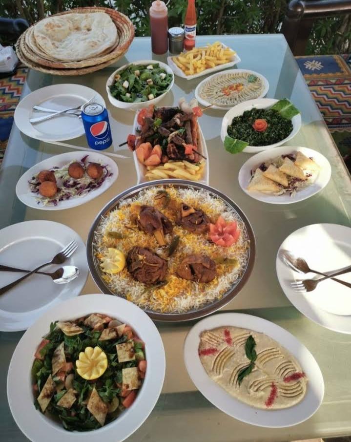 مطعم المزرعة في الاحساء الأسعار المنيو الموقع كافيهات و مطاعم السعودية