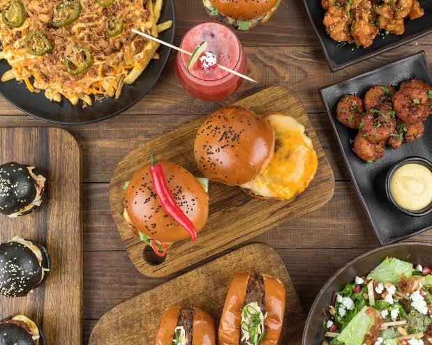 مطعم برجر زين في تبوك الأسعار المنيو الموقع كافيهات و مطاعم السعودية
