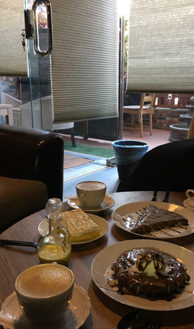 مقهى كاندي سكرتس