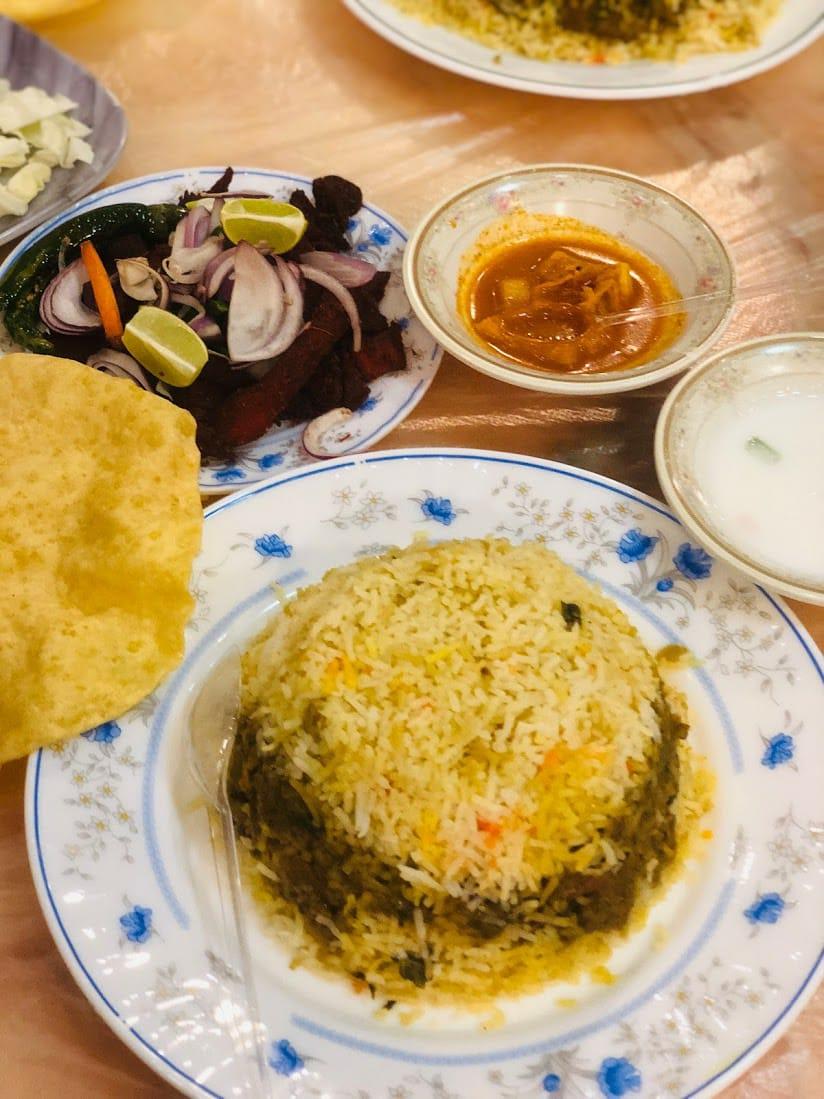 مطعم مبارك خميس مشيط