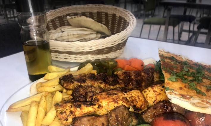 افضل مطاعم طريق المدينة العسكرية خميس مشيط